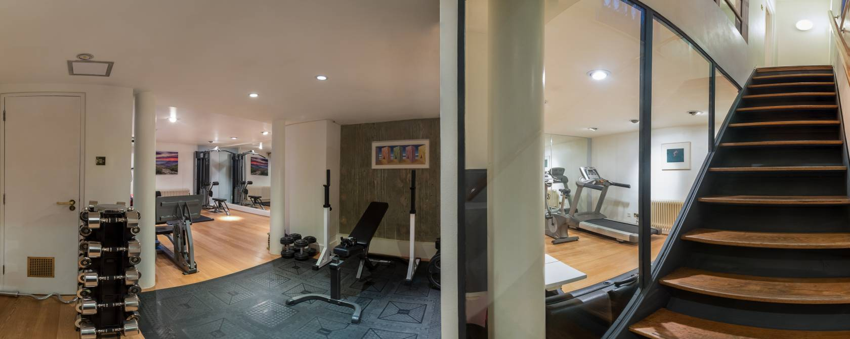 Downstairs at Pete Fraser Fitness - London